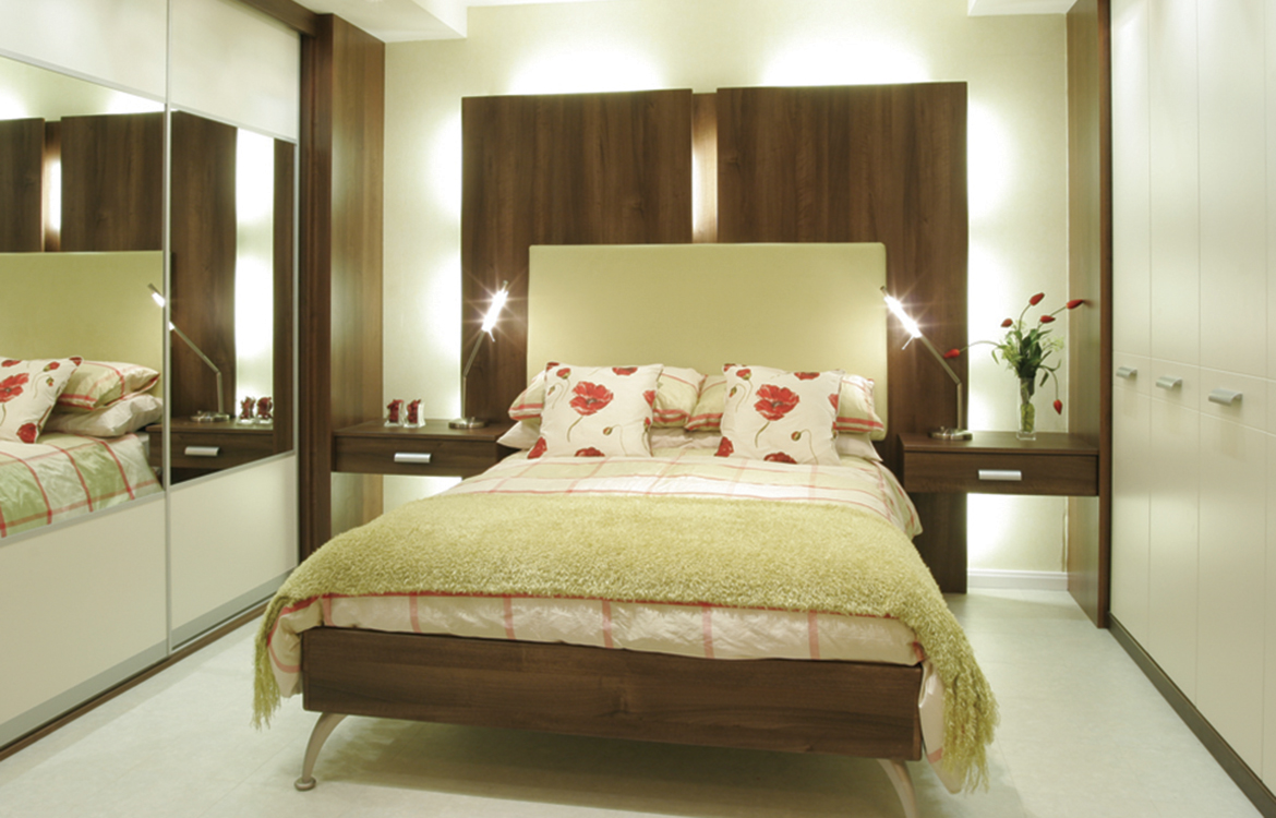 Fitted Bedrooms - Milano :: plain & dark wood