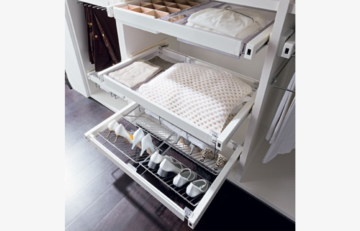 Storage :: multipurpose tray