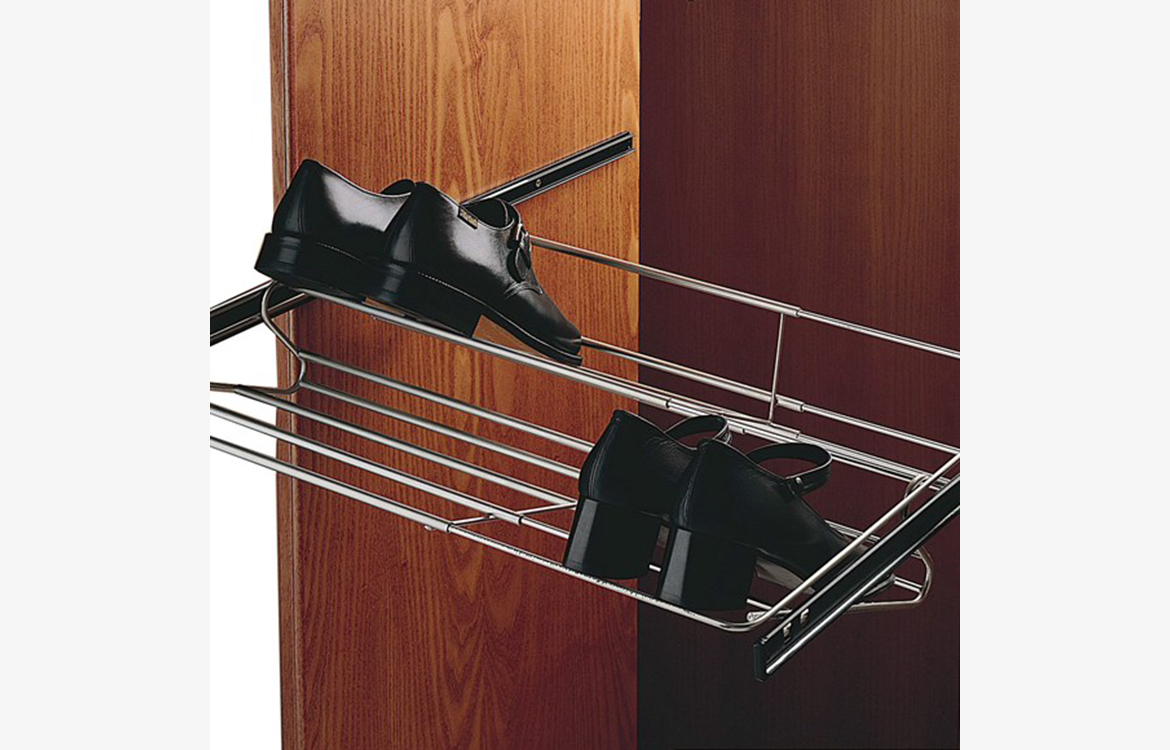 Storage :: pull-out shoe rack
