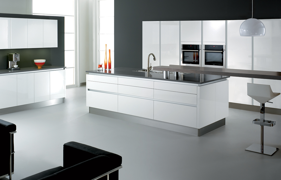 Futura Fitted kitchen :: White Gloss with Aluminium Futura Fitting System
