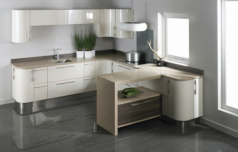 Lastra fitted kitchen :: permagon gloss and mali wenge matt finish -detail 1