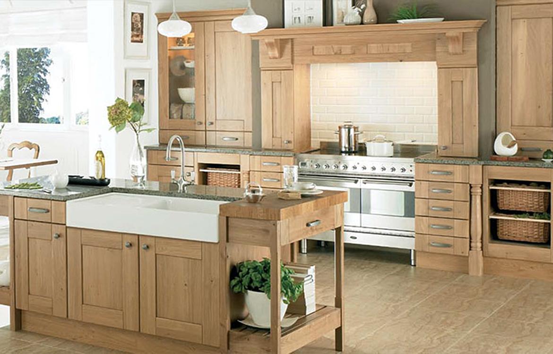 Redmond fitted kitchen :: antique oak