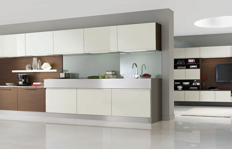 Segreto Fitted kitchen :: Pergamon Gloss with Tobacco Walnut